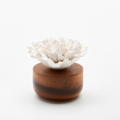 Œillet du Japon | Perfume diffuser wood and white ceramic