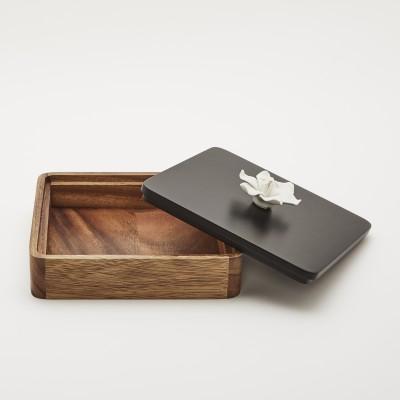 KANA | Decorative box with a white porcelain Jasmin flower
