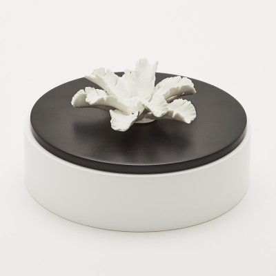 Pilamo | Wooden and ceramic box Black and White