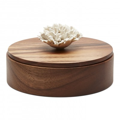 Thuan | Decorative box with a white ceramic flower