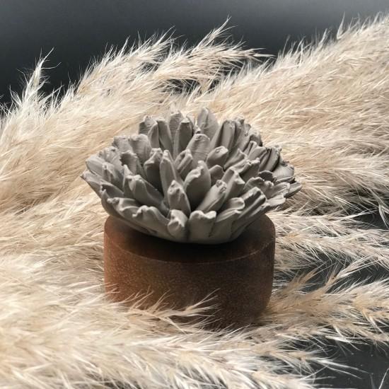 Œillet du Japon | Perfume diffuser wood and grey ceramic