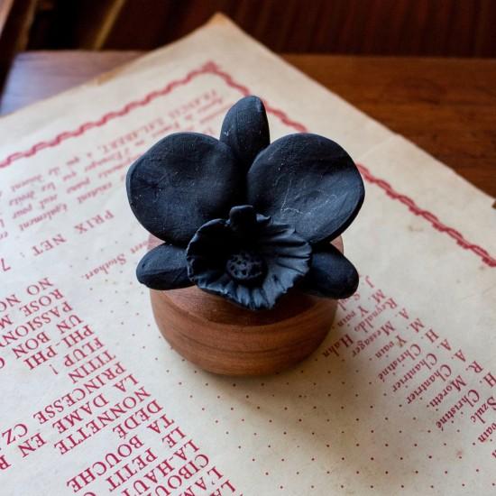 Orchidée du Népal | Perfume diffuser wood and black ceramic